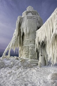 lighthouse frozen 2