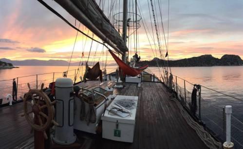 shipandhammocks.jpg
