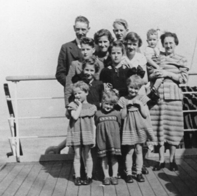 1953_family of 10